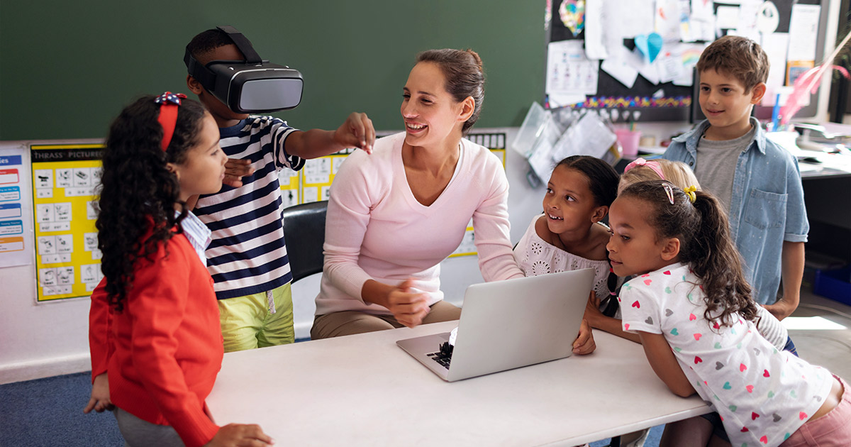 Kids and students using VR headset