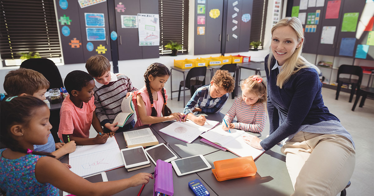 Classroom group students using iPads