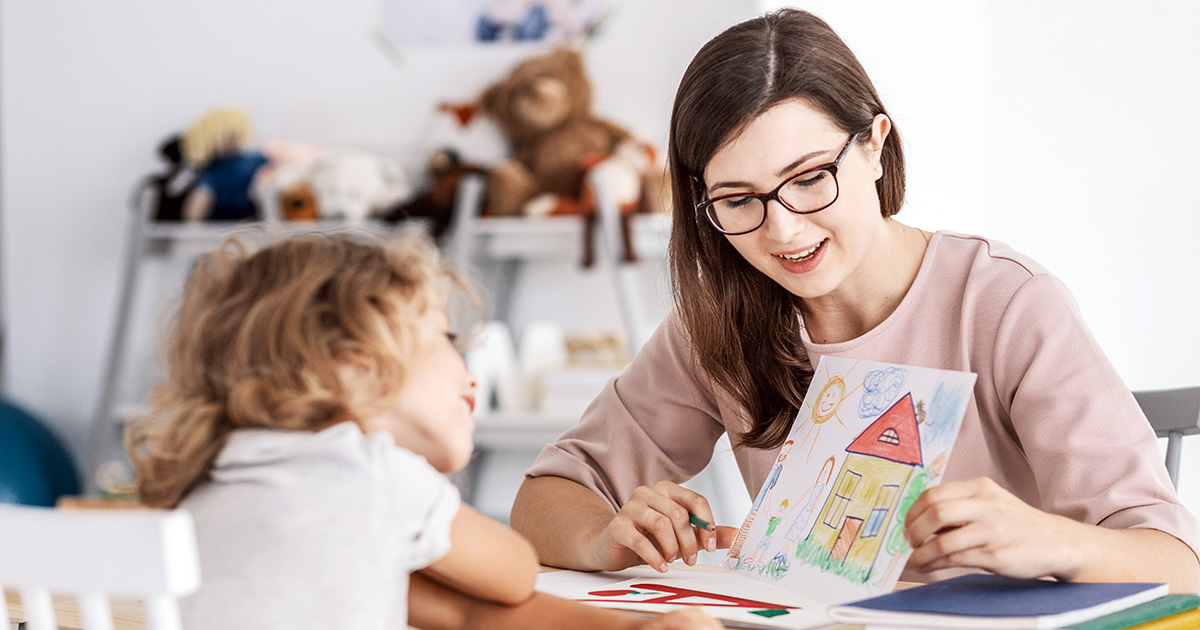 Lady reading to little kid