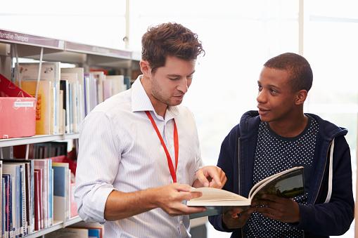 Community college teacher helps student